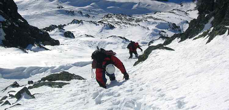 how to get into mountaineering